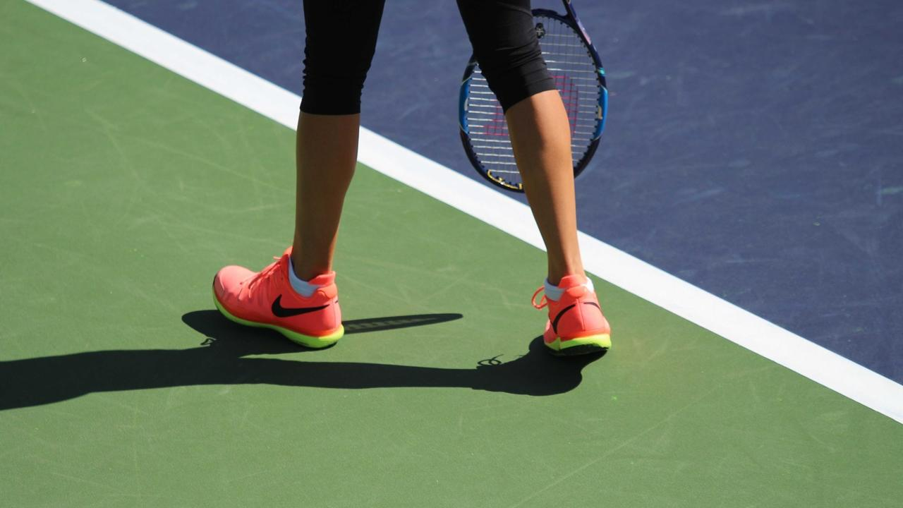 image of tennis shoes