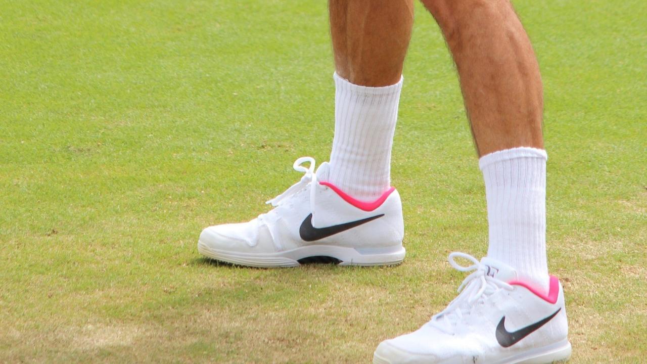 image of tennis shoe