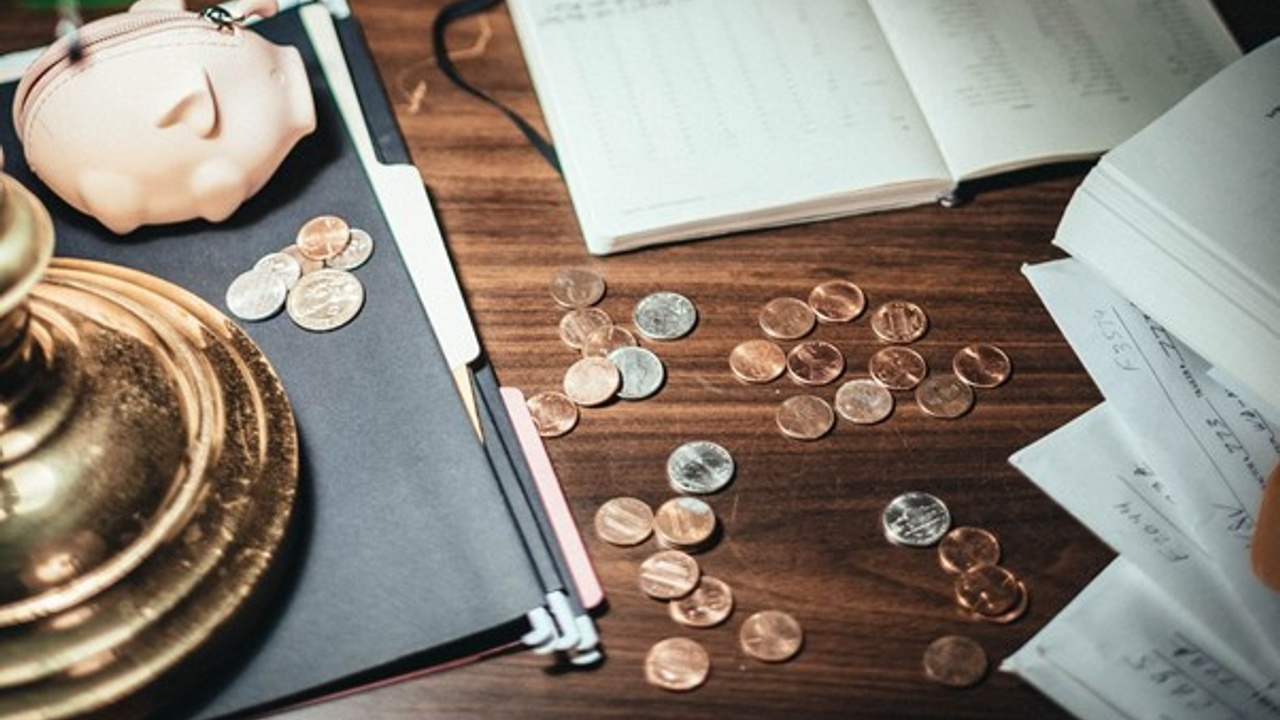 4 Ways to Get Your Business Out of Debt