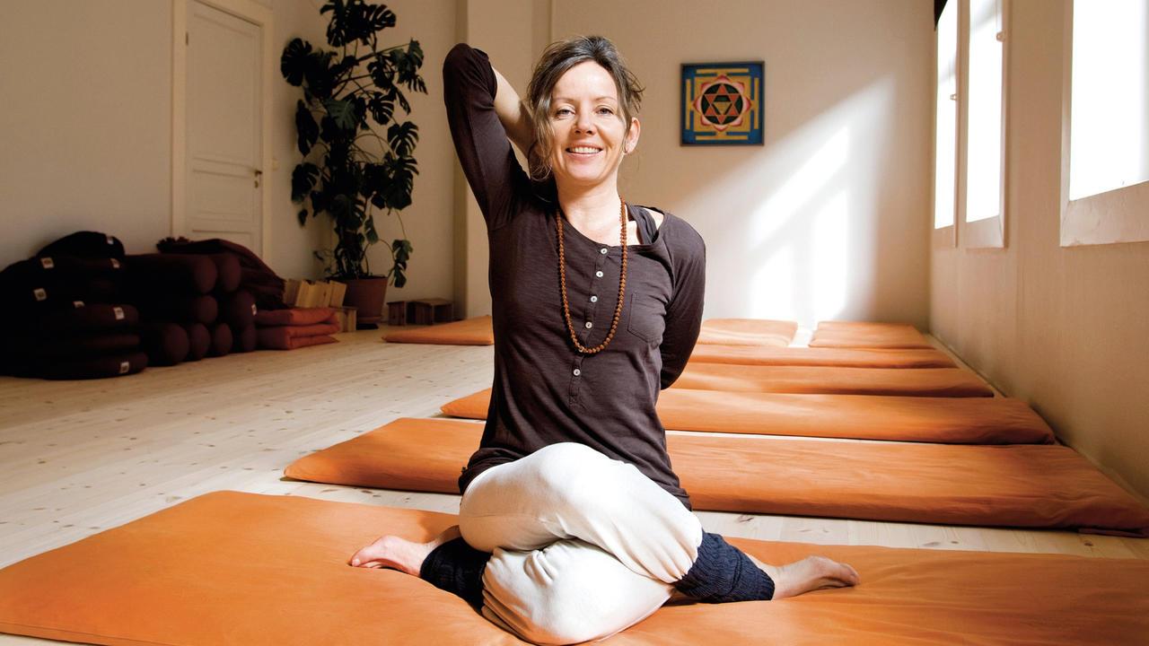 Mh3iniz1twonwiko6fgv yoga med amrit