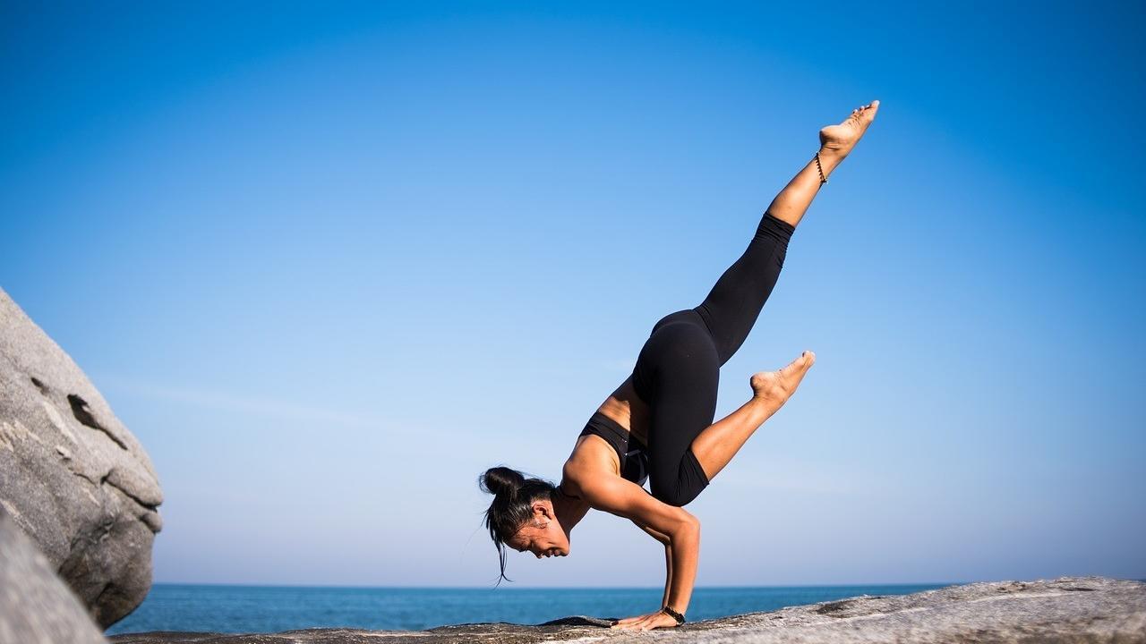 Zttixjgdtua44sgvyrqy yoga 2587066 1280