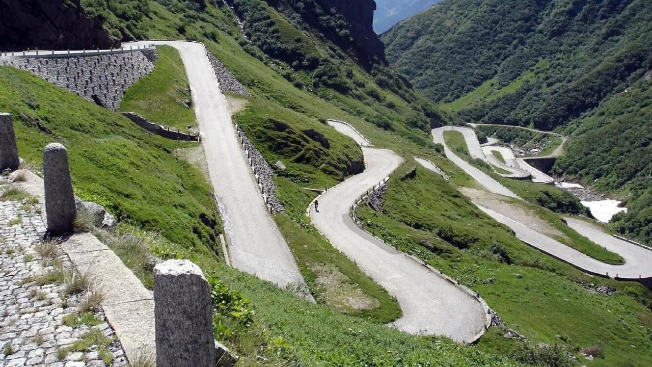 To3o3dmyr7ydshawcmlr gotthard pass switzerland motorcycle