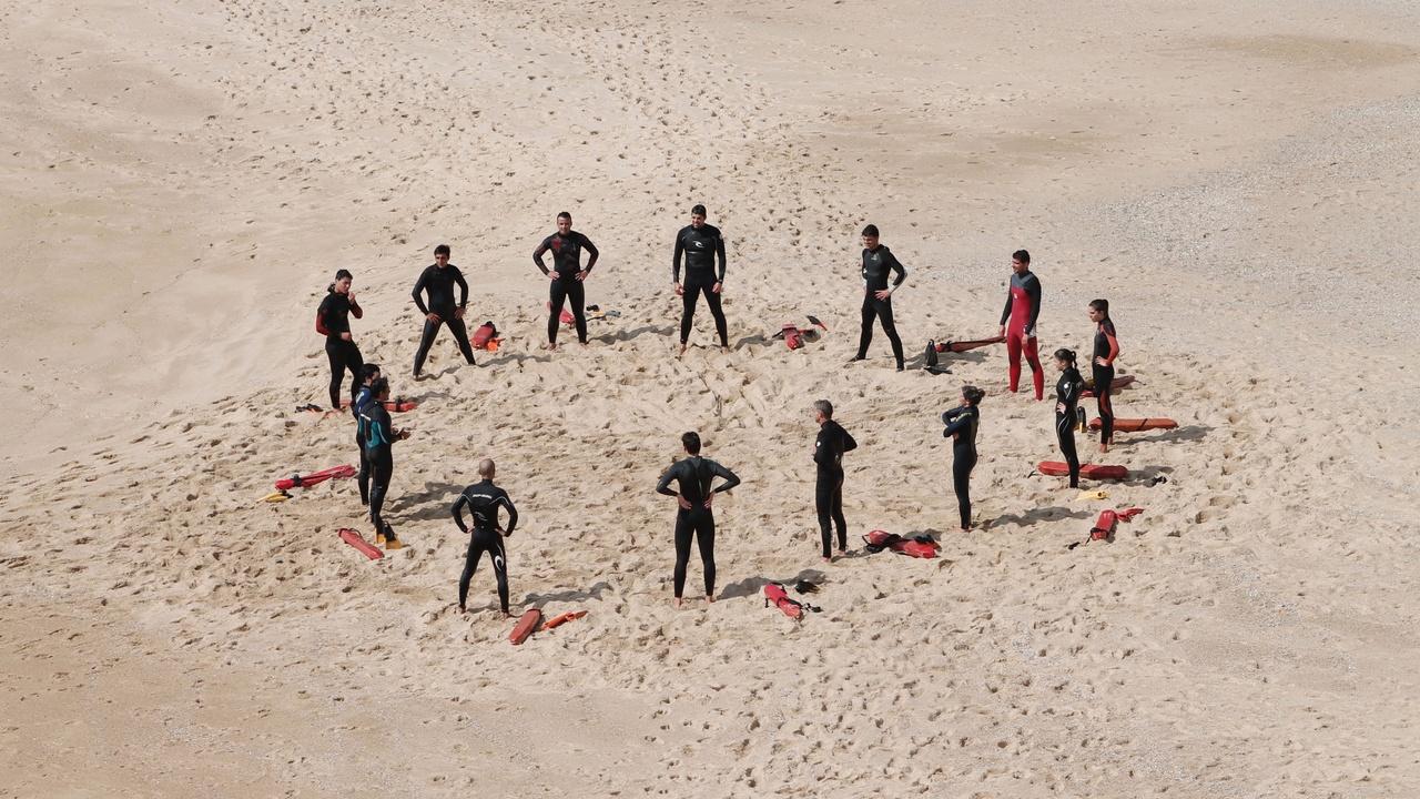 W1ngntwcvbj5wjwp7yqn circle lifeguards unsplash