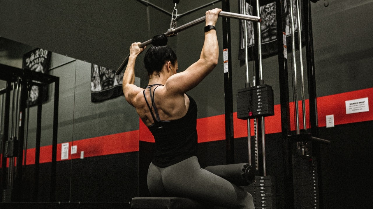 Kgdbm1tdslmfdy8whtxh emily muscle building 1280 x 720