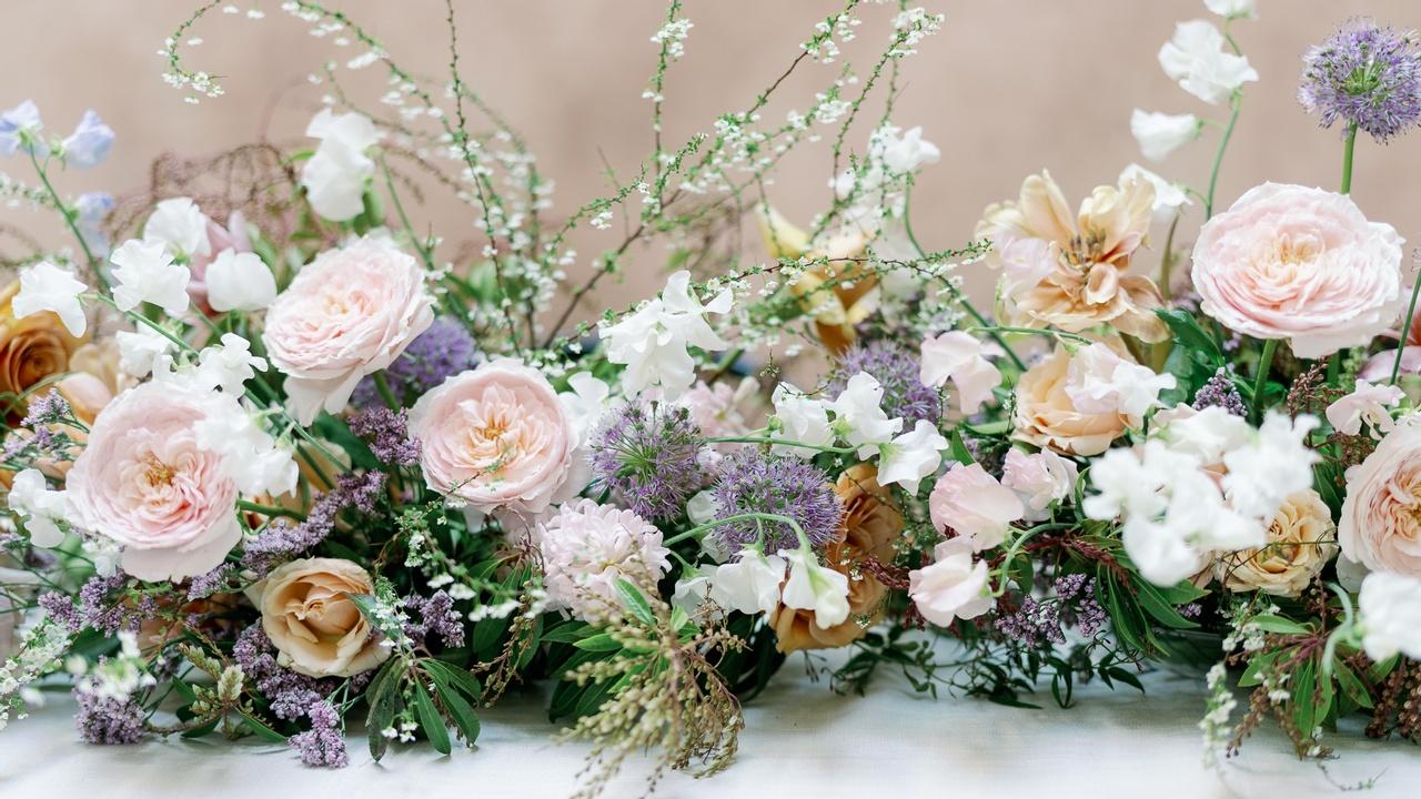 Q1hr6tjxqrqgluwxte7e amy golding wedding photography lily roden floral design 189