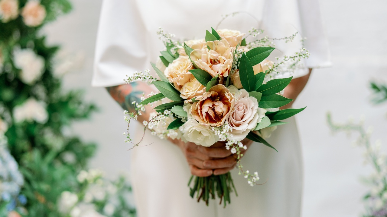 Xmxnrzh4q4wrmroipk1q amy golding wedding photography lily roden floral design 95