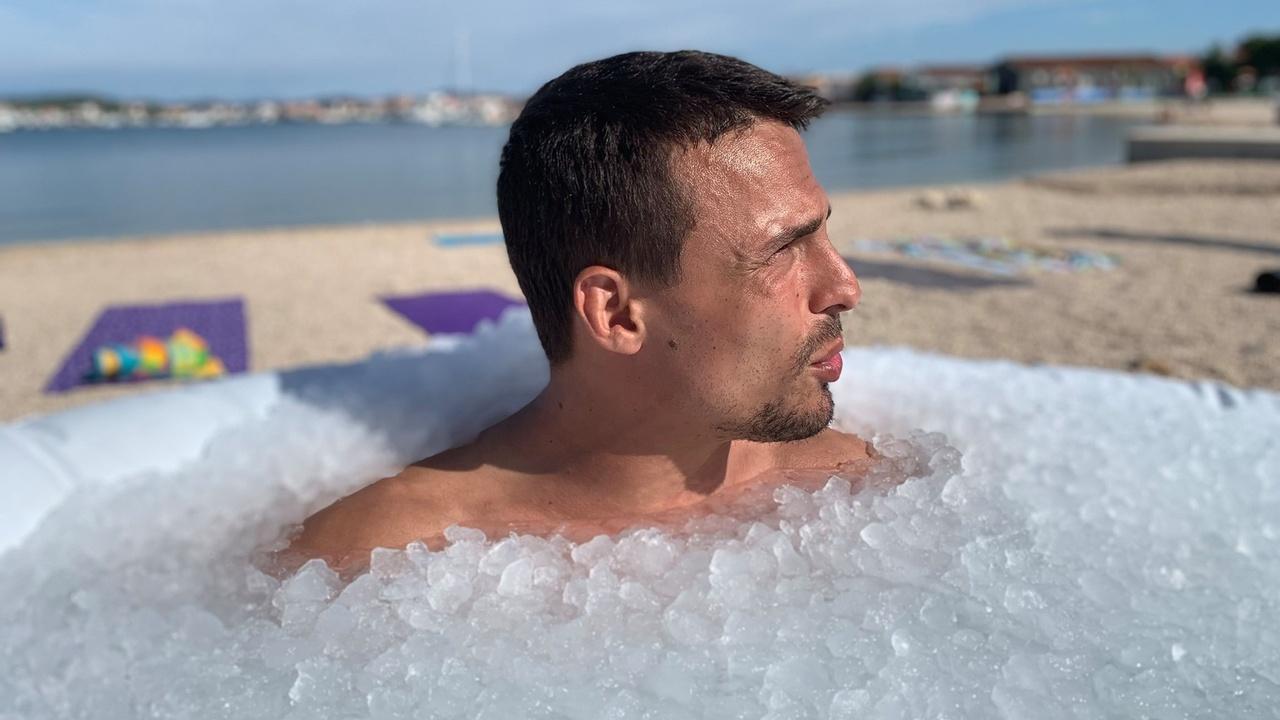 7isand4us7wc5yhx6uxe joey hauss ice bath