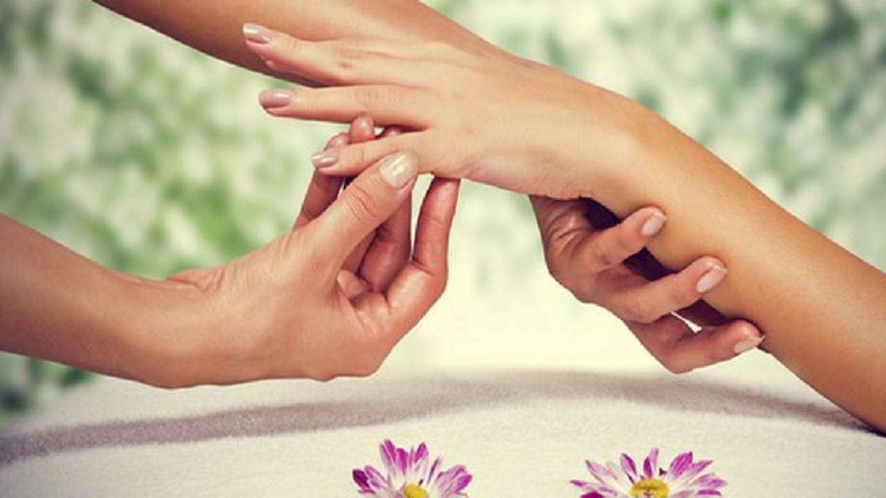 Qjfcayvvs2sqxwp2tmwa hand massage