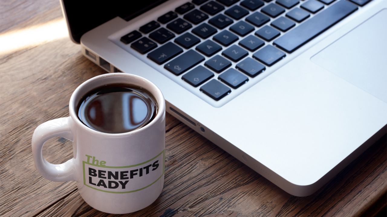 To9ohz8psayagkvhz8hb cup of coffee mockup near a macbook a16461 1