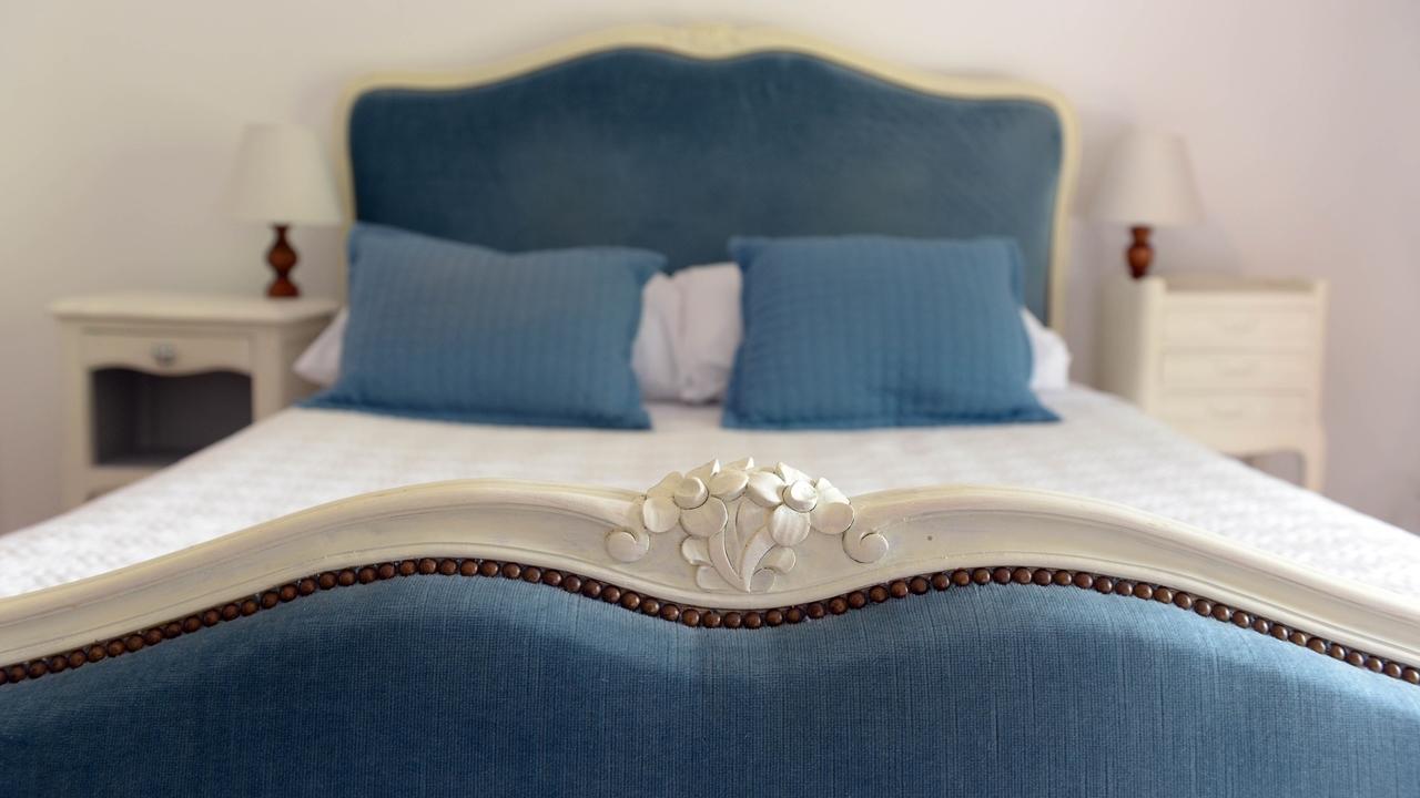 Ida3dtp5qnsou6i8ggce double bed in aude