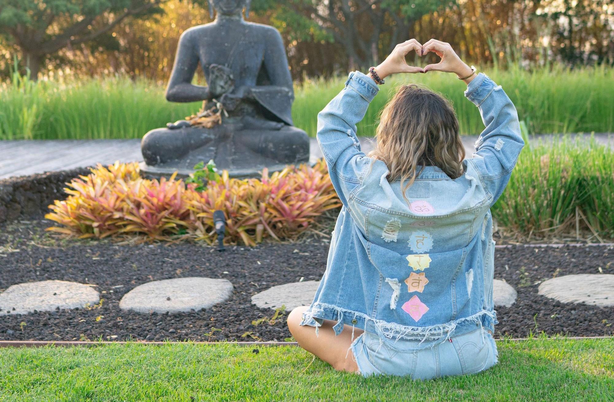 Become a Certified Chakra healer & mentor