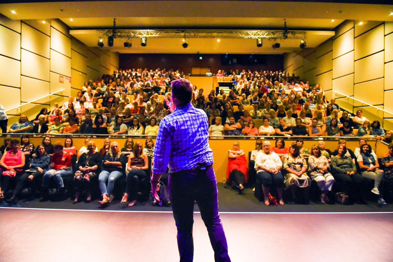 Peter Williams Medium Live Audience