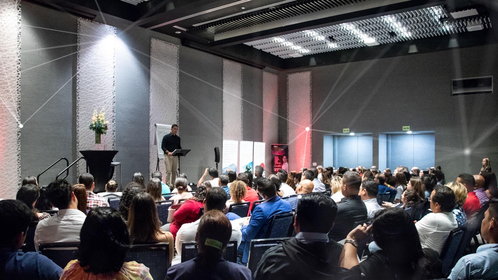 Bolivar mendieta speaker orador autor coach empresario inversionista negocios corporativo