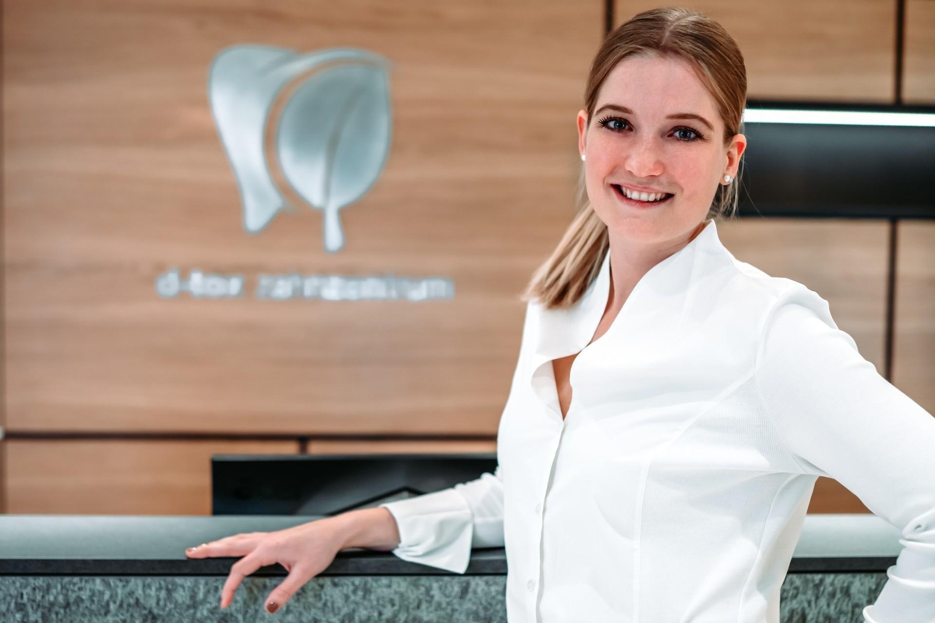 Veronika Brunner Rezeptionistin im D-TOX Zahnzentrum für Biologische Zahnmedizin