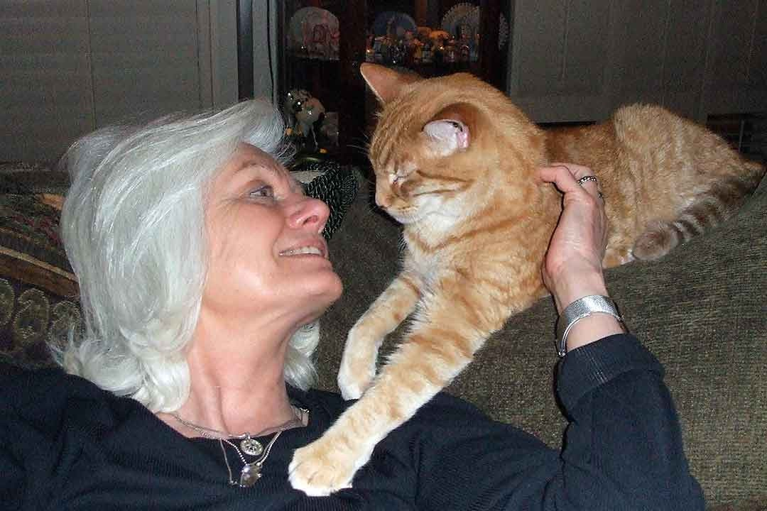 Animal Hospice Group - Gail Pope with kitty