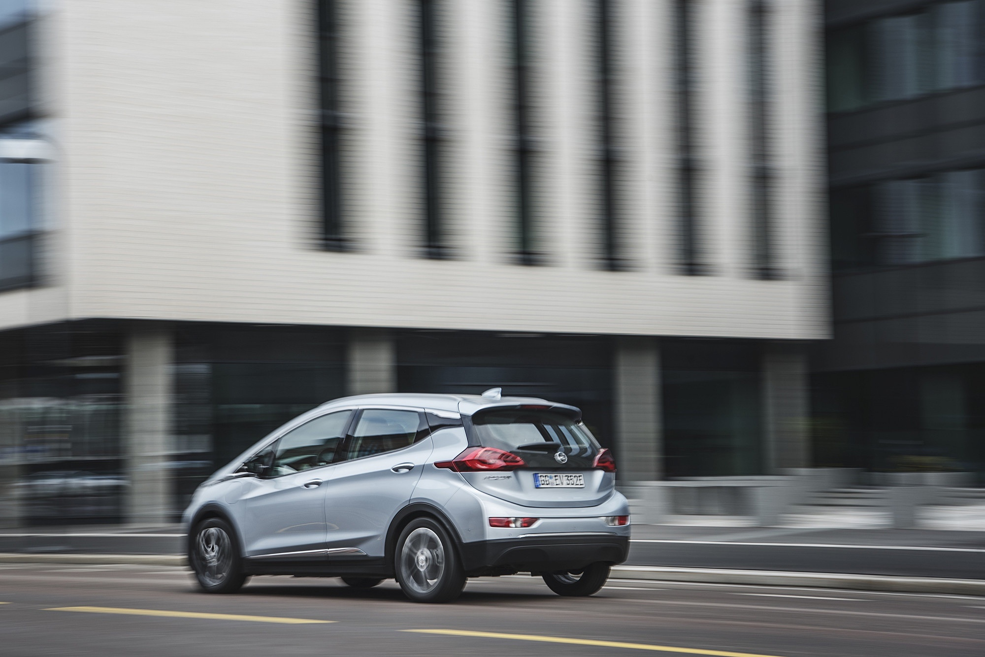 Bilde av Opel Ampera på veien