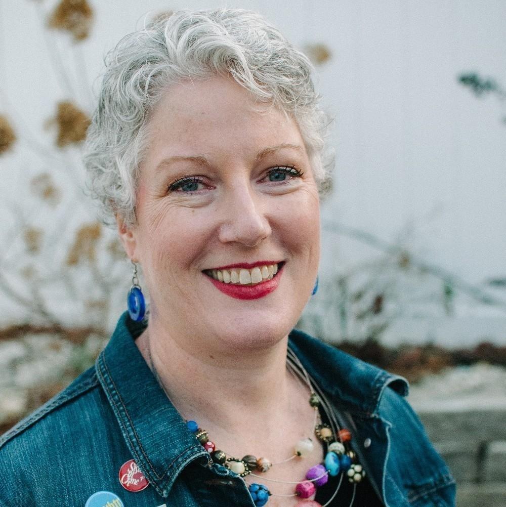 Photo of Julie Hennrikus