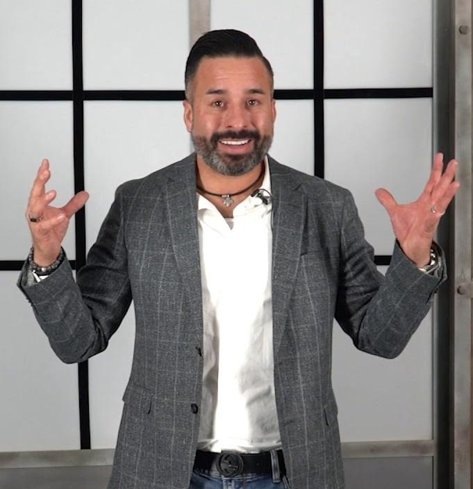 Richard Martinez - Business Coach - Expert Entrepreneur