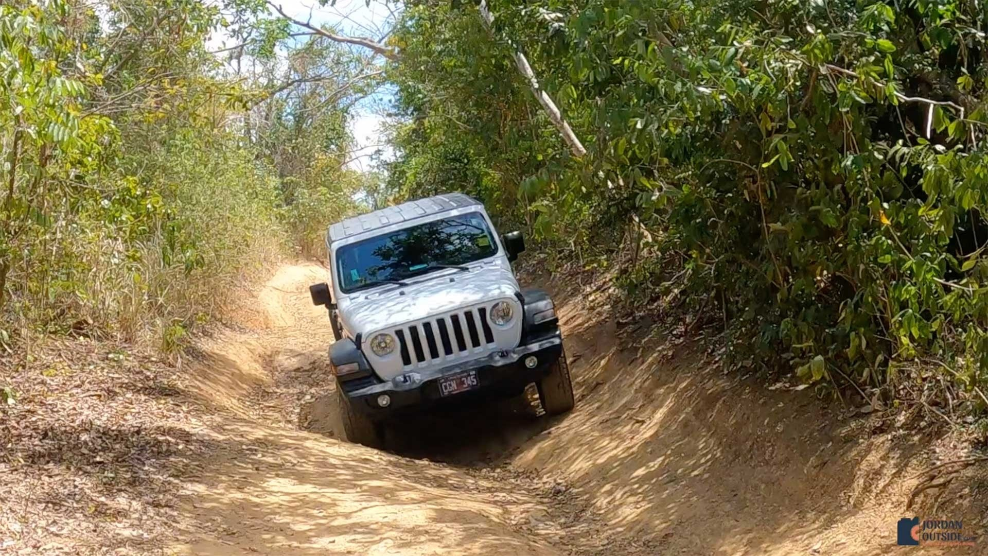 Off roading to the Annaly Bay Tide Pools