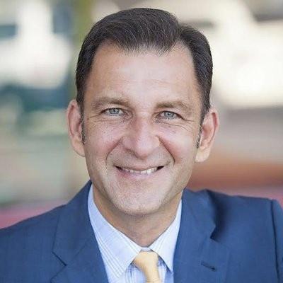 Dr Robert Melillo