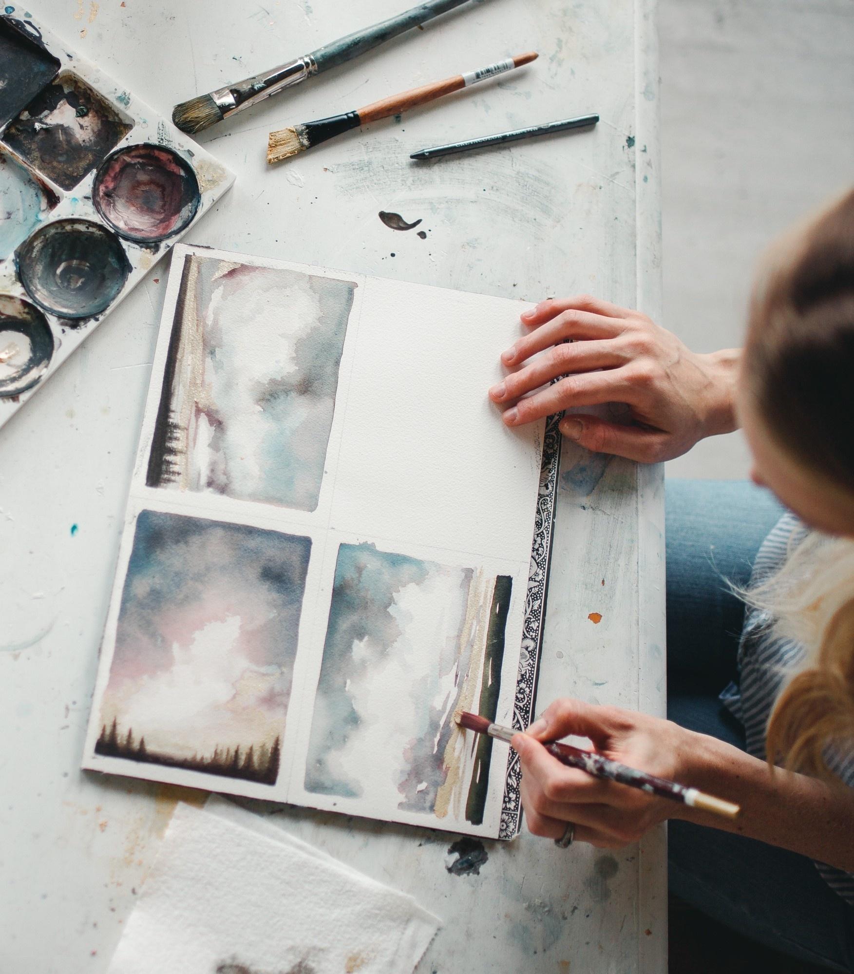 <h2>TEACHING ART ONLINE: