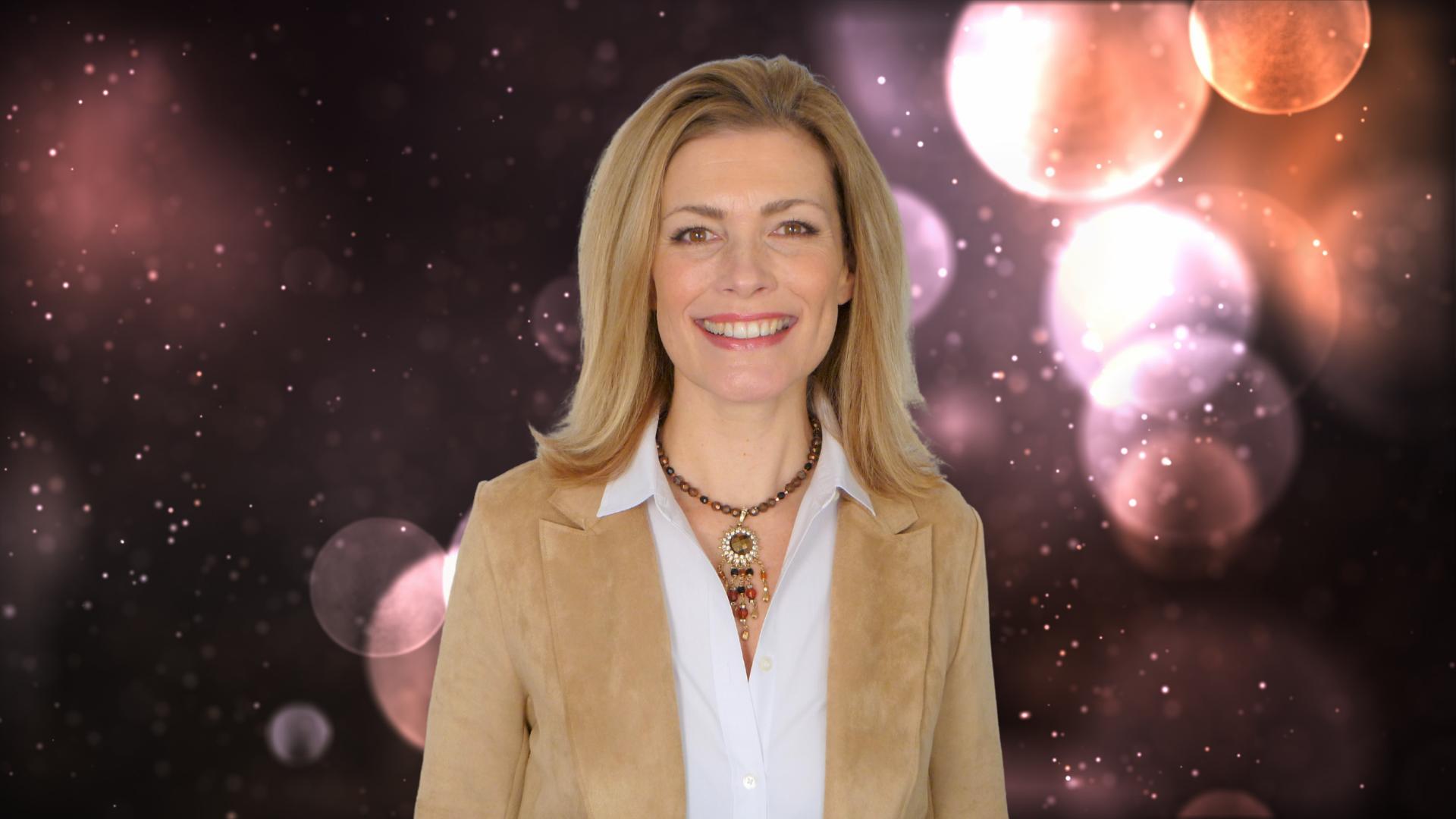 Sabrina Erneman is a co-host & speaker for Soulstice Summit a mind body soul virtual retreat