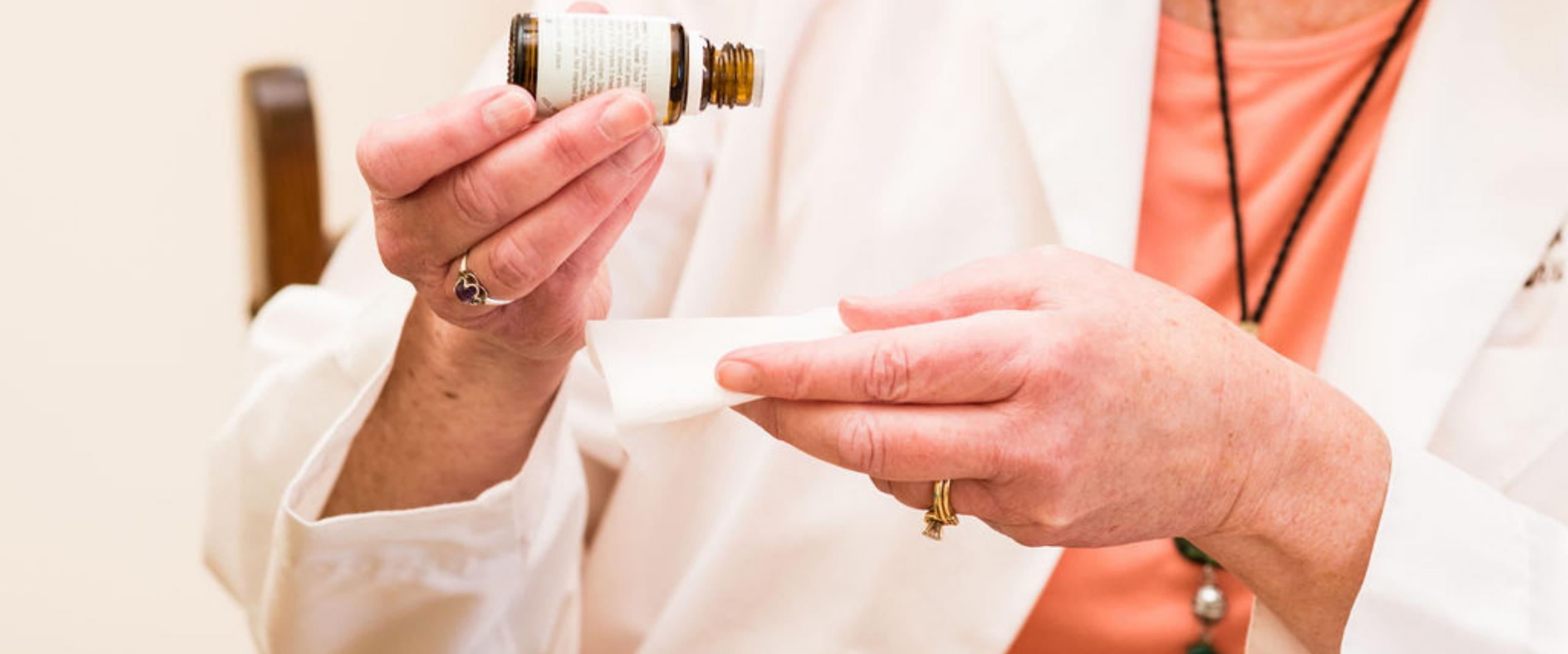Debra Reis -  Aromatherapy for Healthy Living