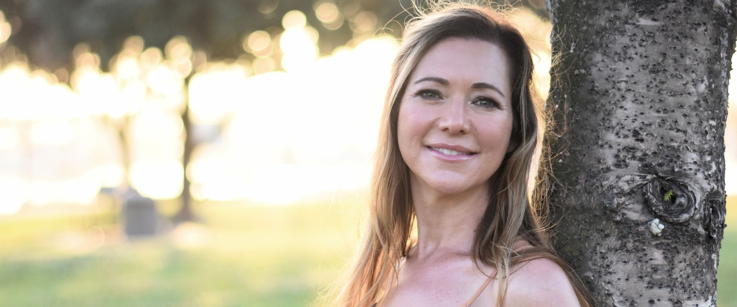 Crystal Heinemann of The Psychic Soul is co-founder & co-host for Soulstice Summit a mind body soul virtual retreat