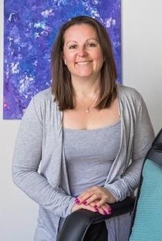 Sarah-Jane Lewis Life Coach Energy Healer Clanfield Smiling Woman