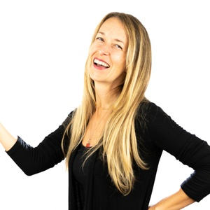 Copywriting Chick | Dina Colada Direct Response Copywriter | Marketing Consultant