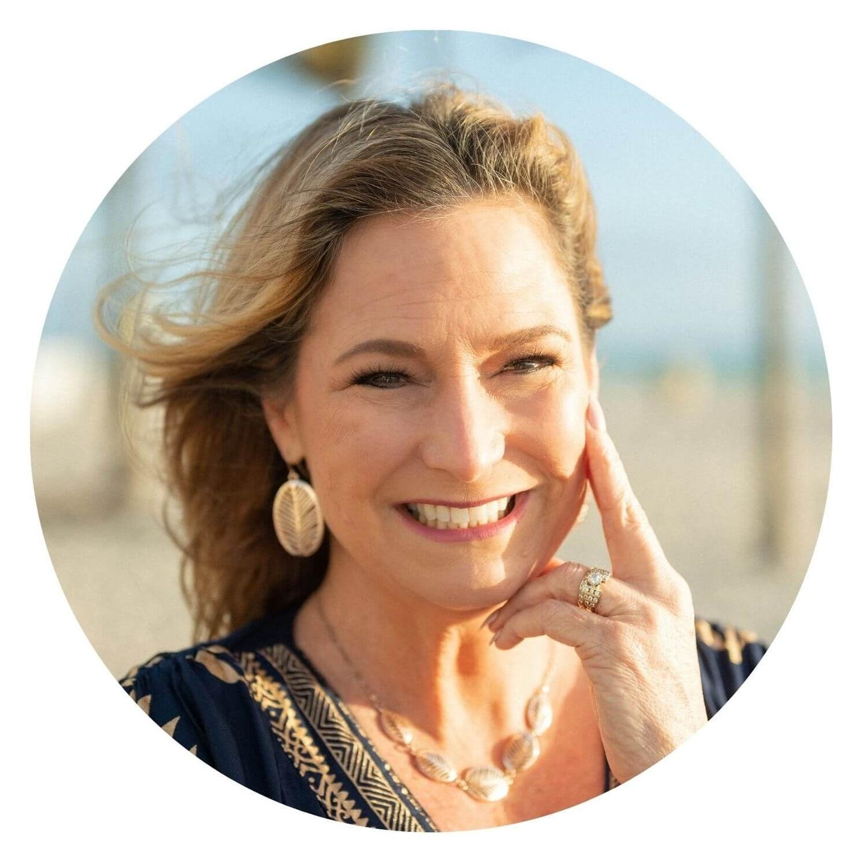 Nikki Sanders - Director of Customer Service
