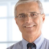 Experienced Older White Male Consultant
