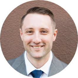 Kyle Hoelzle offers investment planning for physicians