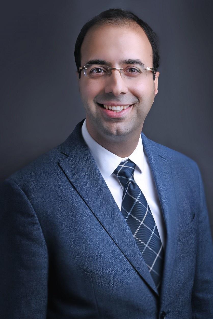 دکتر شهاب اناری، نویسنده و سخنران بین المللی