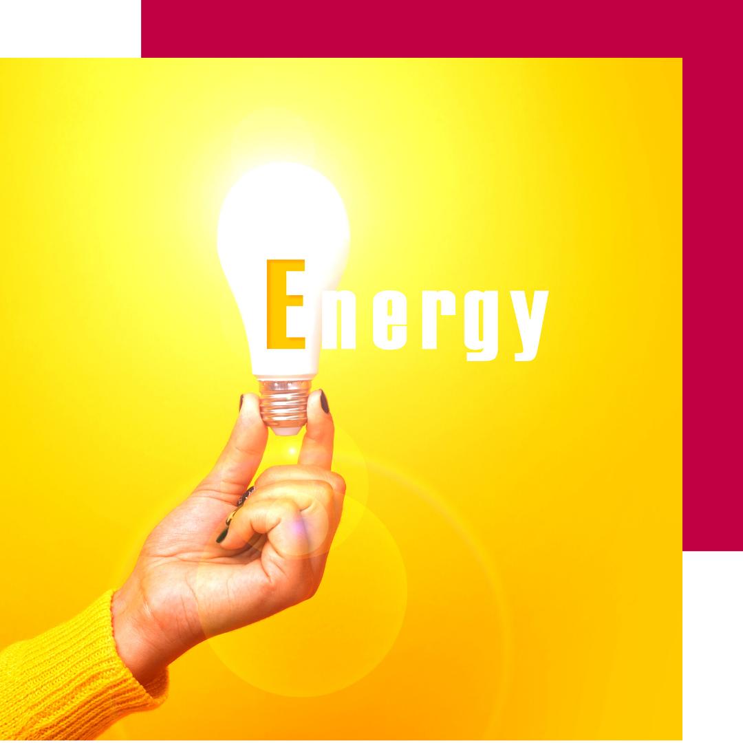 Energy Glühbirne von der Hand gehalten