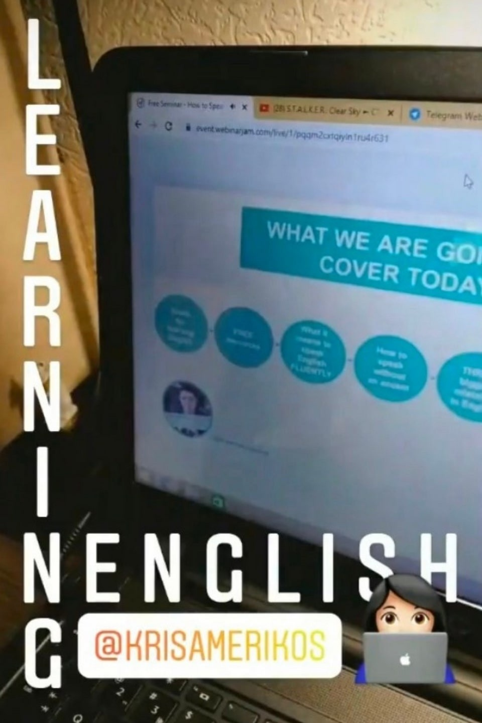 Students learn English live in the English-Everyday speaking course