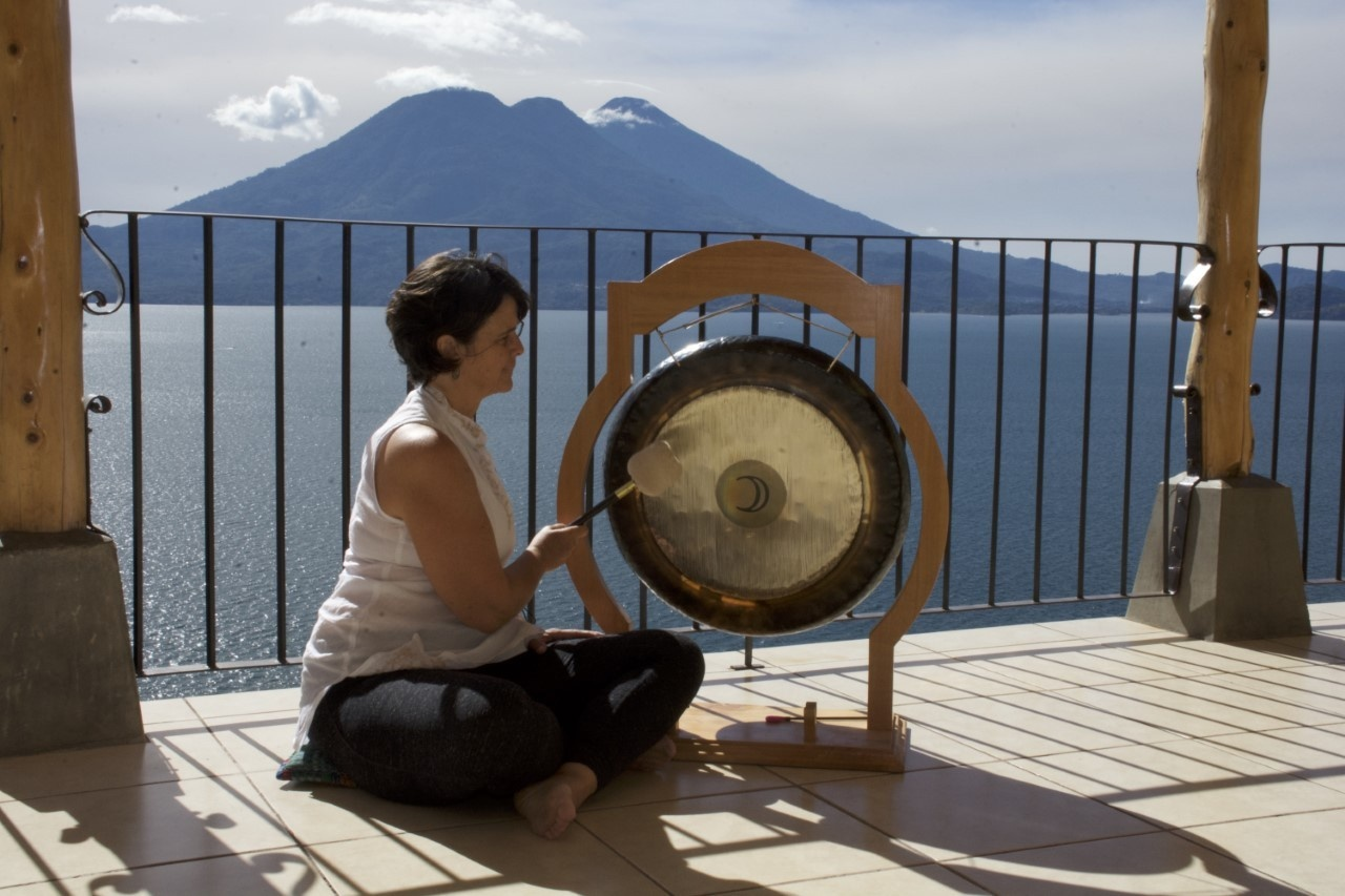 Maria Castells Arrosa - Sound Healing in the Canaries