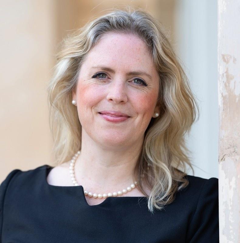 Top Ecommerce Business Coach Emma Blake - Ecommerce Consulant