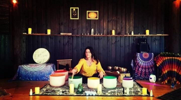 Anne Spinola - Sound Healing in Merseyside, UK