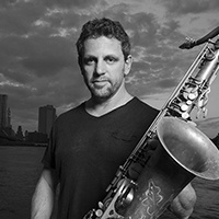 Andy Snitzer teaches at Sax School Online