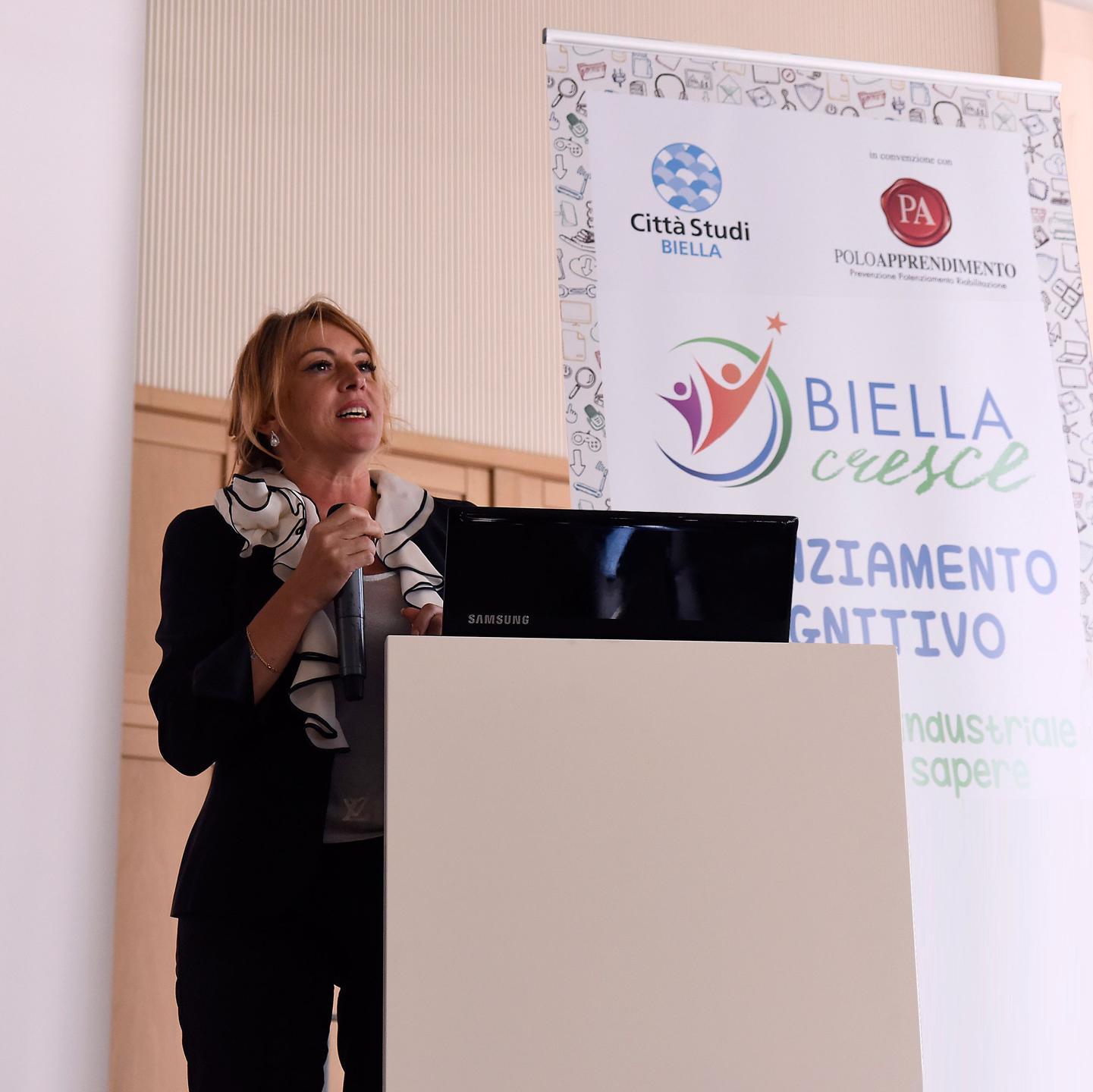 Daniela Lucangeli a una conferenza per Biella Cresce