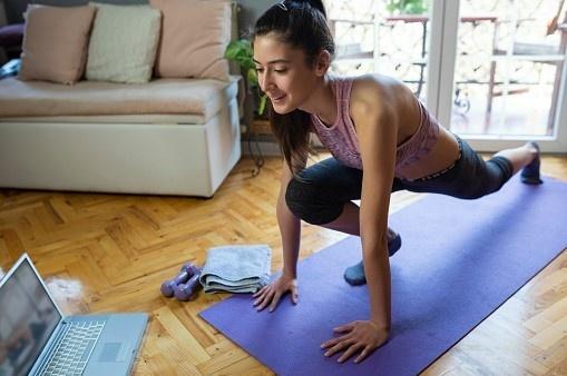 teen exercising online