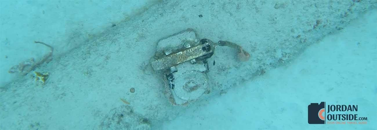 telephone at the bottom of the ocean