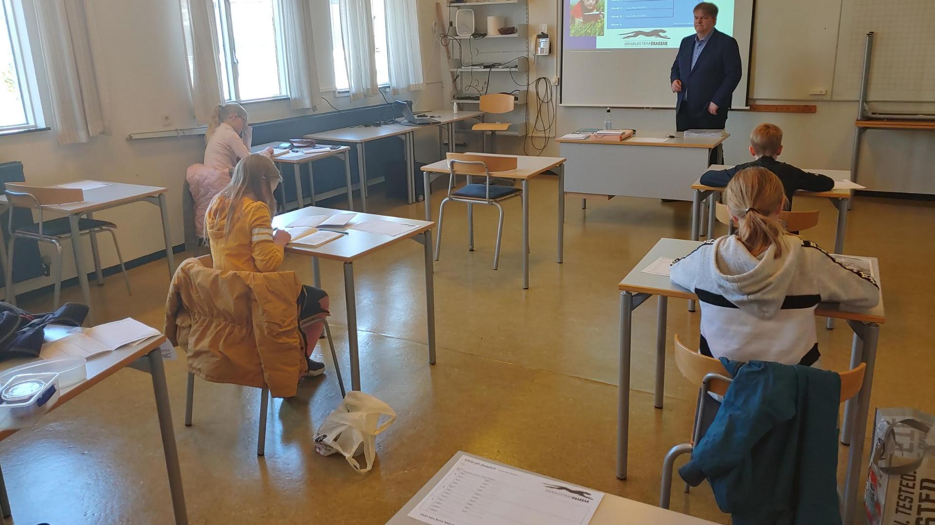 Hraðlestrarkrakkar á námskeiði - á Covid19 tímum - 2020