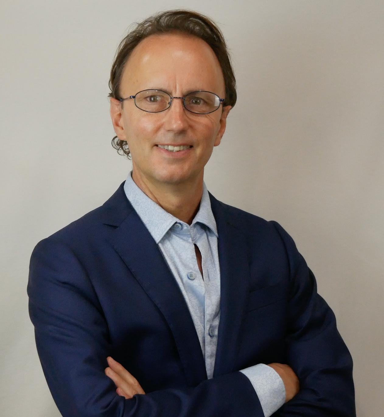 Dr. Dave Tuck Headshot