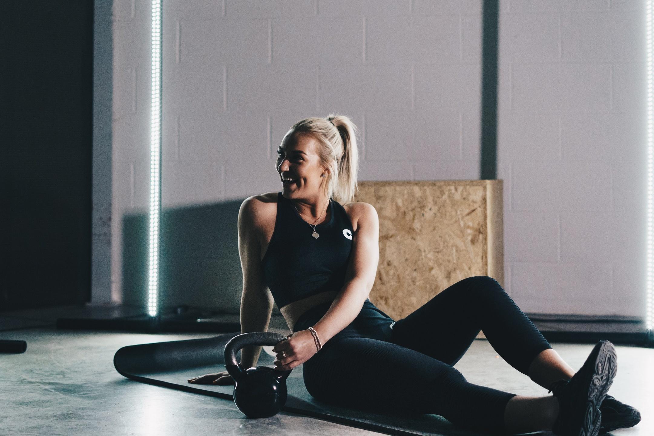 Postnatal Fitness online Helen Plass Personal Trainer