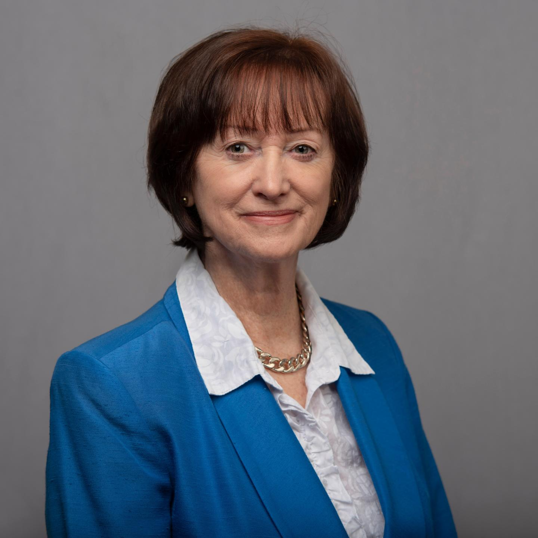 Dr Susanne Knowles