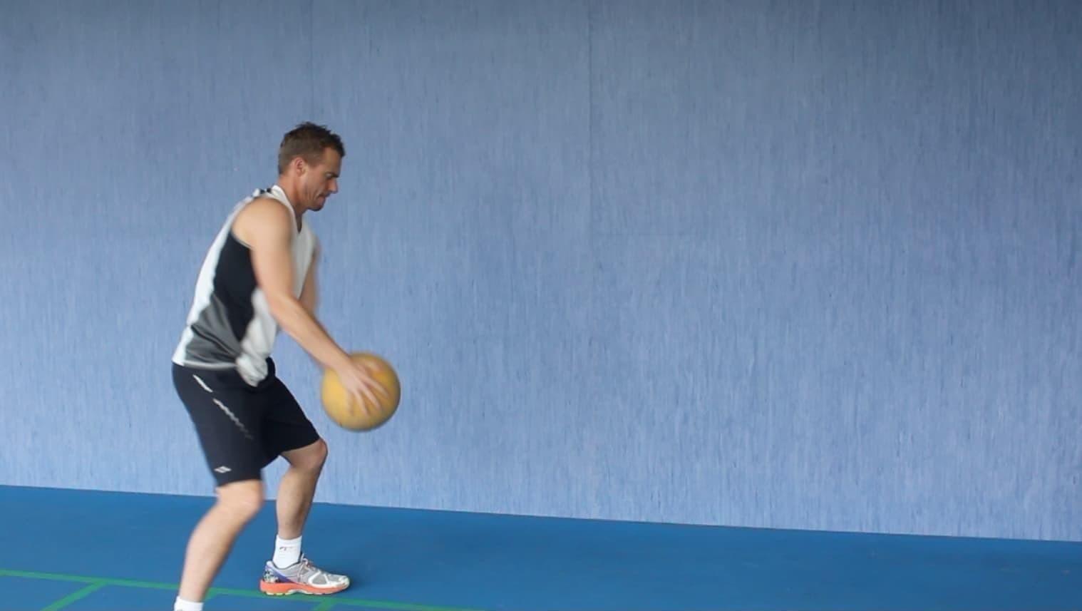 tennis-power-medicine-ball