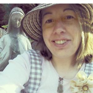 CeAnne Owner of Farmhouse Teas and Grow Create Sip