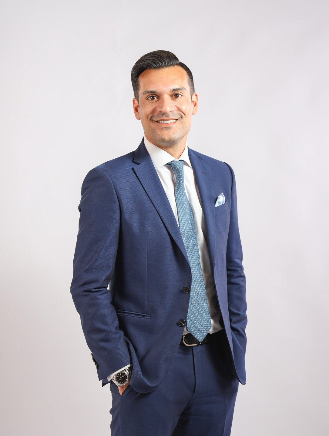 Darren Krakowiak is a leader in the commercial real estate industry in Asia Pacific. He has coached and mentored hundreds of professionals to higher levels of performance..